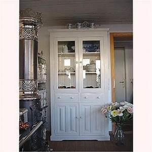 Weißer Kleiderschrank Landhausstil : eleganter wei er k chenschrank im landhausstil verkauft ~ Markanthonyermac.com Haus und Dekorationen