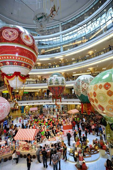 says top 12 must see christmas mall decorations in