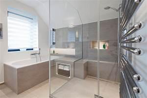 Ideale Luftfeuchtigkeit Raum : steinr cke fsb gmbh bad raum in perfektion modernes bad mit lichtregal ~ Markanthonyermac.com Haus und Dekorationen