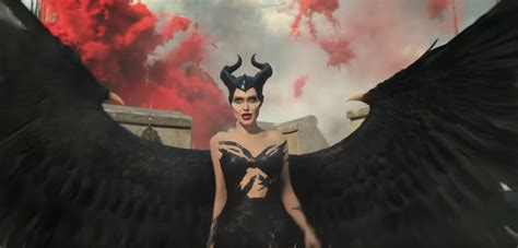 maleficent signora del male il primo trailer del sequel