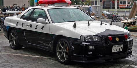 spotted  japan nissan skyline gt   police car