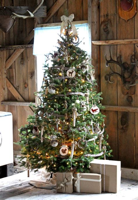 rustic christmas tree decorating ideas yourself a rustic christmas fynes designs 8591