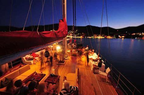 Catamaran Ship From Mumbai To Goa by Mumbai Goa Cruise Guide That We Need Before It Starts