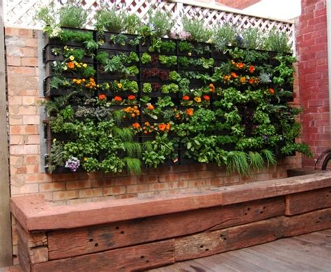 Aquaponic Vertical Garden