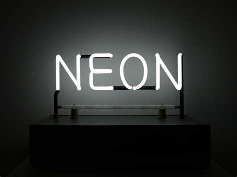 le de bureau neon jlggbblog3 néon