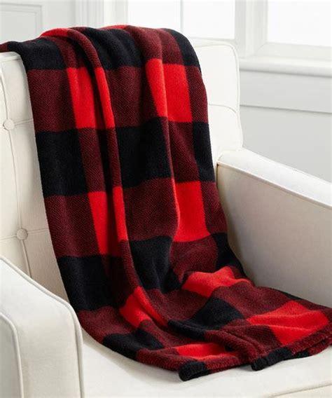 jeté de canapé noir 15 jetés de canapé pour vous réchauffer