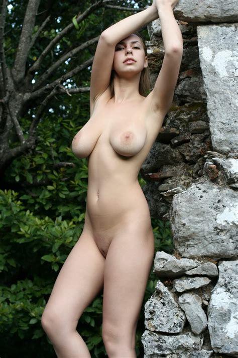 Natural Big Tit Blonde Amateur Teen Poses Nude Outdoors Pichunter