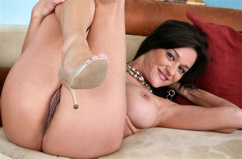 Seduced By A Cougar Naughty America Porn Videos In Hd