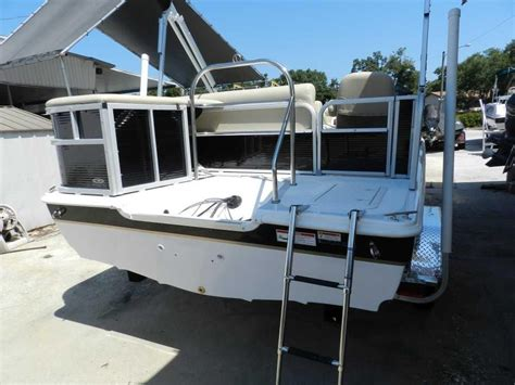 Hurricane 226 Deck Boat by 2015 New Hurricane Fundeck 226 Ob Deck Boat For Sale