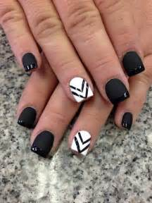 Black and white nail art cute nails g