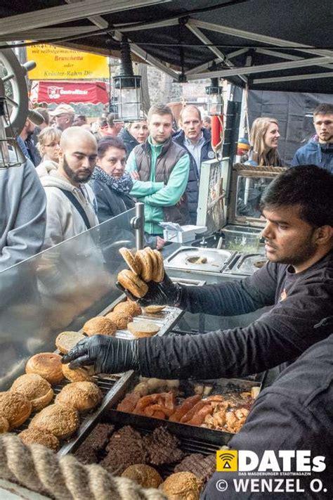 im reich der spezialitaeten beim  street food festival