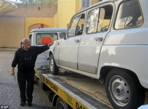 renault 4 pope francis takes delivery of new popemobile a 29 year old