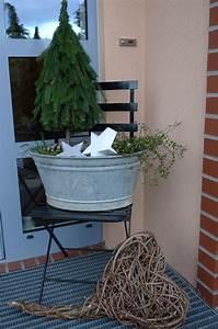 Kleine Holzbank Für Draußen : die besten 17 ideen zu weihnachtsdekoration f r drau en auf pinterest poolnudel kranz ~ Bigdaddyawards.com Haus und Dekorationen