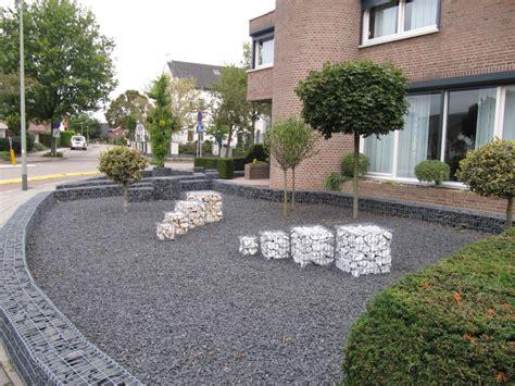 small modern gardens modern small garden design ideas modern london garden