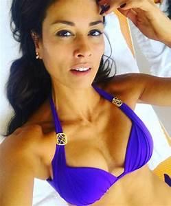 Melanie Sykes, 47, flaunts EYE