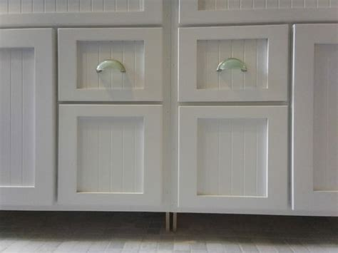 cabinet pull location