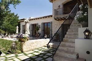 Innenhof Spanischer Häuser : spanish decor spanish style outdoor patios home pinterest ~ Udekor.club Haus und Dekorationen