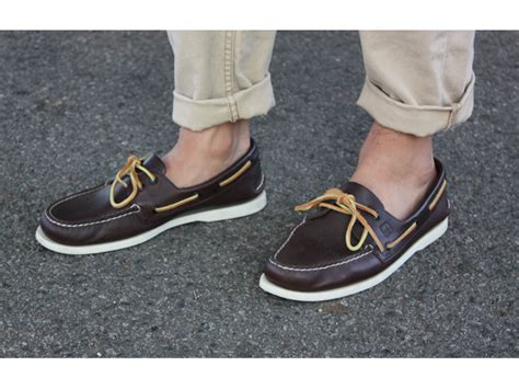 Boat Shoes With Socks Or Without by Summer Style Pointers The Upswing Report