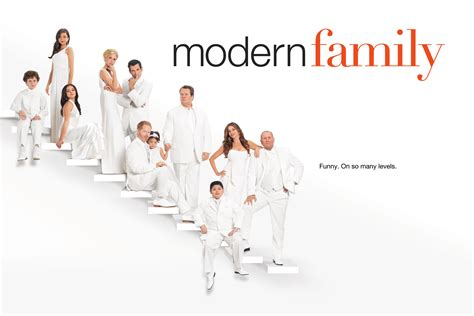modern family season 3 modern family images season 3 cast hd wallpaper and background photos 37540916