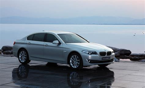 Bmw 5 Series 2012 by Bmw 5 Series 530i 2012 Auto Images And Specification