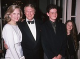 Mike Nichols leaves $20m fortune to wife Diane Sawyer and ...