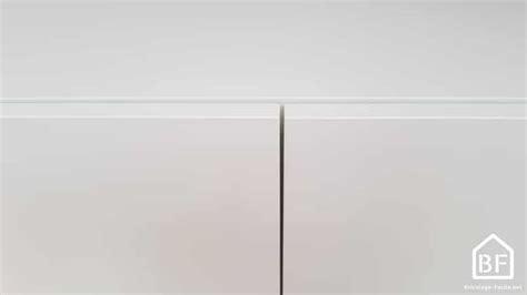 hauteur meuble haut cuisine réglage charnière ikea régler porte de placard bricolage facile