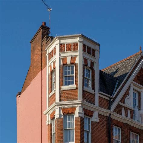 2 bedrooms 1 bathroom 1. West Hampstead: What is a Mansion Block?