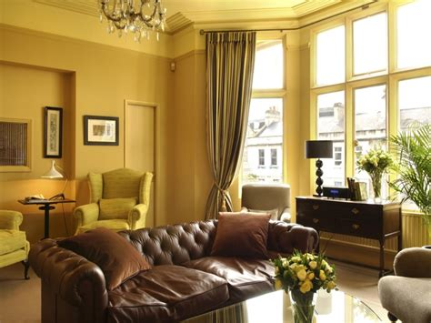 Living Room Traditional Decorating Ideas, Warm Living Room