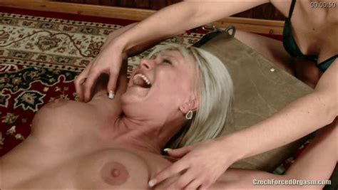 forumophilia porn forum torture tickling tickling foot armpits and whole body