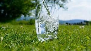 Was Ist Destilliertes Wasser : destilliertes wasser trinken folgen und auswirkungen ~ A.2002-acura-tl-radio.info Haus und Dekorationen