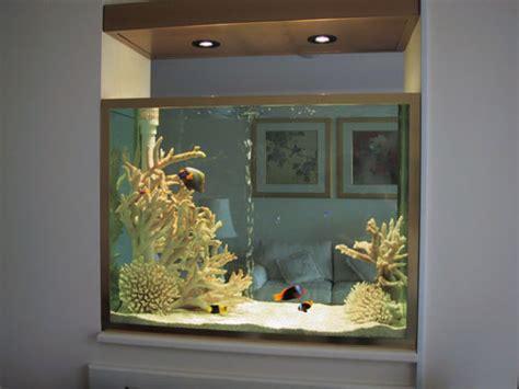 aquarium pour s 233 parer 2 pi 232 ces