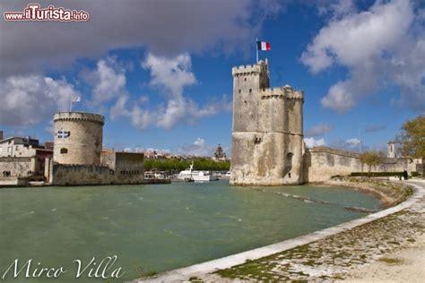 si鑒e de la rochelle la rochelle la torre nicolas e la torre della catena le due guarda tutte le foto