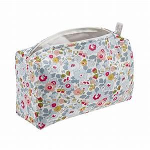 Trousse Toilette Fille : trousse de toilette b b liberty betsy cadeau de naissance ~ Teatrodelosmanantiales.com Idées de Décoration