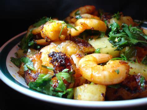 cuisine free shrimp and prawn as food