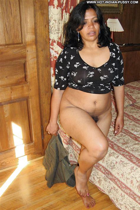Maegan Private Pics Indian Desi Babe Amateur Milf Flashing