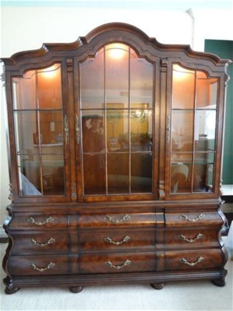 Henredon China Cabinet by Henredon Four Centuries Large Oak Lighted Breakfront China