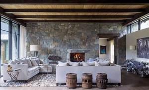 chalet de montagne a linterieur rustique luxueux dans With photo interieur chalet montagne