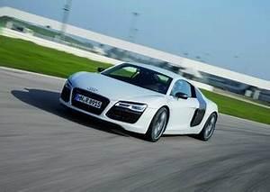 Audi R8 Fiche Technique : fiche technique audi r8 4 2 v8 fsi 430ch quattro tronic 7 l 39 ~ Maxctalentgroup.com Avis de Voitures
