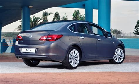 opel astra sedan  cdti sport performans ve yakit