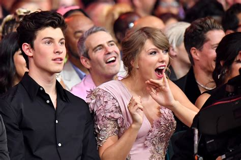 Taylor Swift Singing Along Her Song Billboard Awards