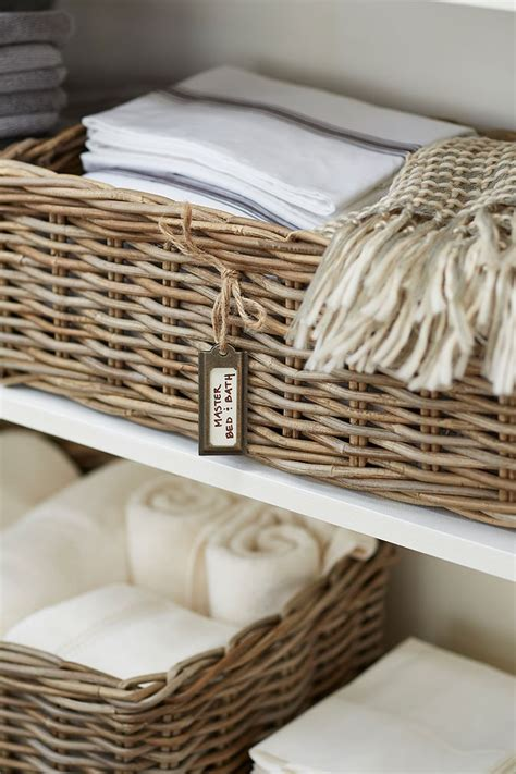 Linen Closet Baskets by Best 20 Linen Cupboard Ideas On Bathroom