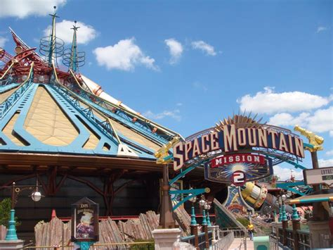 Disneyland Paris  Space Mountain Mission 2