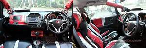 Honda Jazz Sporty Dimodifikasi Untuk Nonton Bareng
