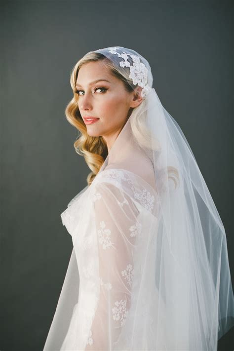 Best 25 Juliet Cap Veil Ideas On Pinterest Champagne