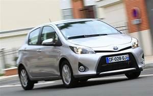 Fonctionnement Hybride Toyota : essai toyota yaris hybride 2013 l 39 automobile magazine ~ Medecine-chirurgie-esthetiques.com Avis de Voitures