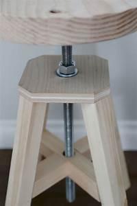 Drehstuhl Holz Höhenverstellbar : diy anleitung f r einen h henverstellbaren drehstuhl aus holz tipps f rs b ro einrichten diy ~ Frokenaadalensverden.com Haus und Dekorationen