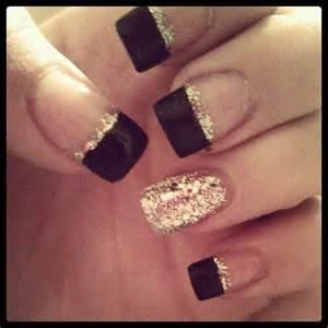 Homecoming nails prom