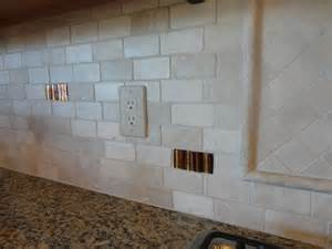 kitchen backsplash travertine 2 4 tumbled travertine offset subway back splash w glass tile accents ta lutz wesley
