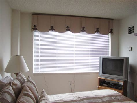 Bedroom Valances by Resemblance Of Contemporary Window Valances Interior