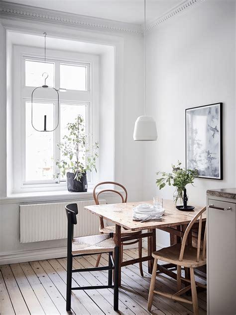 minutioest renoverad sekelskifteslaegenhet dansk inredning